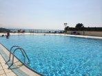 Appartement avec piscine  vue mer et golf