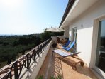 Roof terrace with sun loungers for relaxation (MELOGRANO)
