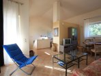 Living room with sofa - access to roof terrace (MELOGRANO)