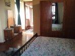 Camera da letto e accesso zona giorno