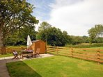 Cardigan Bay holiday cottage - enclosed patio/garden - pets welcome