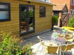 Summerhouse with 6/7 Hot Tub with ensuite Shower & w.c
