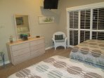 GUEST BEDROOM WITH SLDING DOOR TO BACK PATIO AND INCREDIBLE VIEWS!   TV IS IN  BOTH BEDROOMS