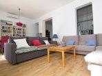 Spacious Living Room (30m2 = 320 sq ft!)