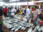 Easy to reach fish market