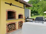 Wood & gas fired BBQ, pizza / bread oven and hob.