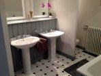 Bathroom in the Masterbedroom