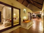 Akasa Villa: Long cool verandah.