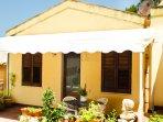 Prospetto della casa e veranda