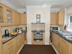 Beautifully fitted kitchen