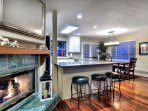 Great room with extra kitchen bar seating