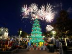 Visit Legoland during the holidays for magical, family friendly holiday events!