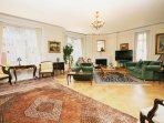 Large Living Room - Lounge
