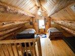 Upstairs Loft w/2 Twins -Log Cabin in Rum Ridge