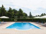 Farm Stay with Swimming Pool and Restaurant