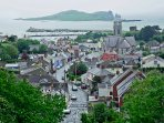 The apartment is centrally located on Harbour Road near to all the amenities of Howth Village