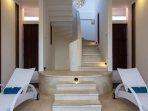 Comfy Suntanning Lounge