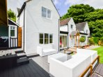 Luxury cottage with decking and games room