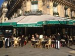 ' Les deux Magots' is at 5 mn walking from the apartment
