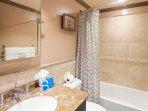 SB-309-Bathroom2.jpg