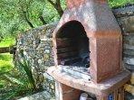 Barbecue a disposizione degli ospiti.