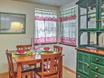 Eat-in kitchen with dining table for 2