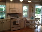Beautiful Retro kitchen will full size appliances!