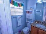En-Suite Bath to Twin Suite w/Shower & Tub Combination