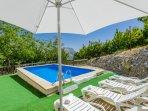 Casa Jurinea.Rodeada de cerezos y piscina privada