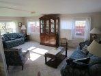 Living room of 'Bobolink'