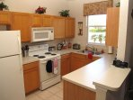 Fully Equipped Kitchen with fridge/frezzer,