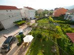 Apartments Raic with Shared Garden, Furnished Patio and Free Parking
