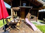 Les chalets du Bonheur, les Houches, Chamonix Mont-Blanc. Le chalet et sa terrasse