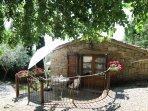 Romantico cottage indipendente in pietra.