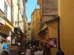 Les rues étroites du vieux Nice