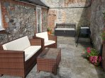 Private courtyard garden (with seating and BBQ)