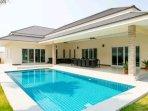 4 x 10 m. private swimming pool (salt system)