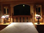 Hilltop House Sleeping Cabin With Queen Size Bed
