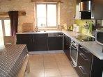 Cuisine très bien équipée dont lave vaisselle (produits fournis), table cuisson induction...