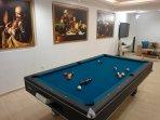 Play room(pool table & home cinema)