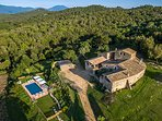 Amazing HQ stone 1100m2 manor, 8 BR 6 BA, Pool, full SPA, games,  on 115 hectare