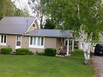 Located in the heart of Bayfield, just a 5 min walk to the beach, park and historic downtown.