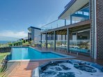 Azure Views - Luxury Mount Martha Retreat