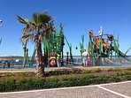 Close by is also the national Aquarium and kids playing area which is free and open all day.