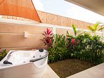 Your private jacuzzi in your own open air bathroom, 5 stars!!!