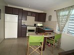 LOWER LEVEL APARTMENT FULLY EQUIPPED WITH WIFI, FLAT SCREEN TV, RUKO,ETC.