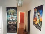 Big appartment with cinematographic theme, voice a