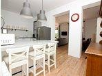 Open Kitchen (20 m2 = 215 sq ft!)