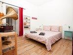 Bedroom Nr. 1: Double bedroom with queen size bed (160x200 cm)