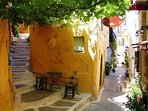 Chania it is characterized by narrow and picturesque alleys